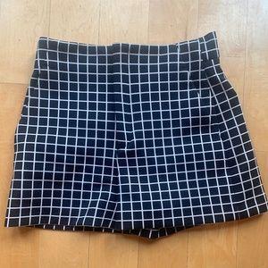 ZARA Black/White Checked High Waisted Shorts, M